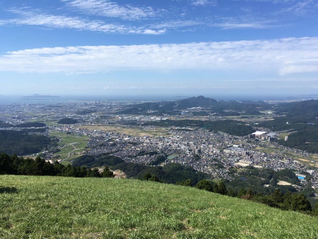 米の山頂上からの景色。