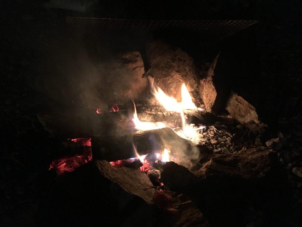 直火での焚き火